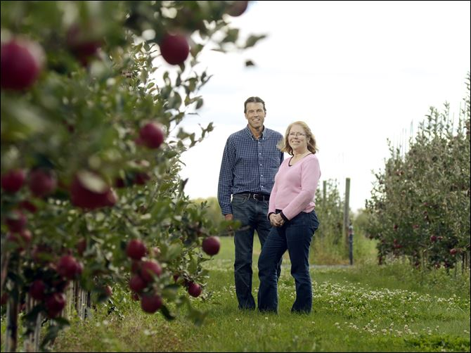 Apple Lab Cornell University research specialist, Kevin Maloney, left, and apple breeding program leader, Dr. Susan Brown.