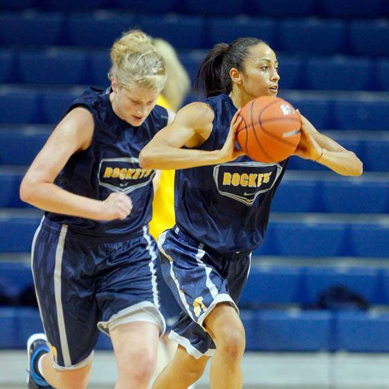 University-of-Toledo-basketball-player