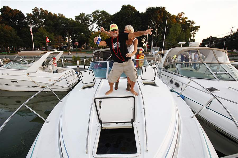 Put-in-bay-boat-dance