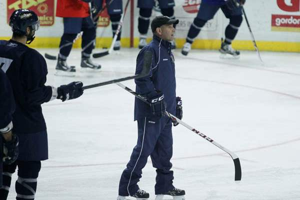 Walleye-head-coach-Nick-Vitucci-during-camp
