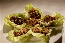 Lettuce-cups-can-be-incorporate