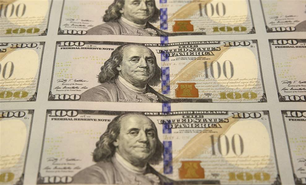 New-100-Bills-CLOSEUP