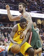 Milwaukee-s-Miroslav-Raduljica-top