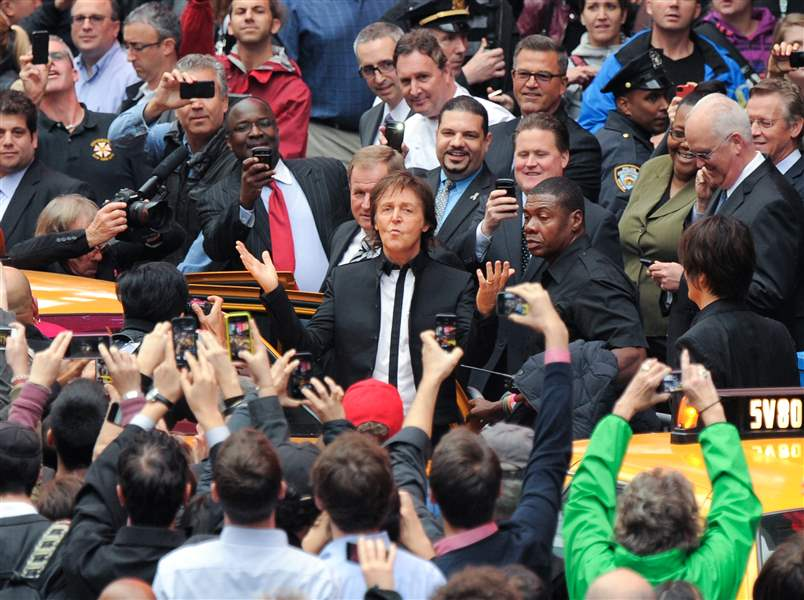 APTOPIX-Paul-McCartney-Surprise-Times-Square-Concert