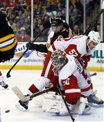 Red-Wings-goalie-Jonas-Gustavsson