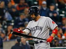 Boston-Red-Sox-s-Shane-Victorino-react