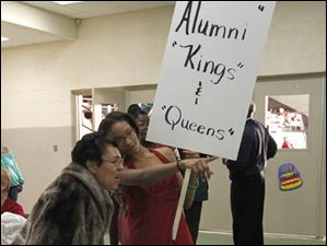 Scott 1958 homecoming queen Janet (Quinn) Wyatt is shown by Quintella Pope where the former queens and kings are meeting.