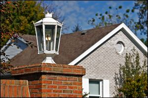 The cost of operating gas streetlights in the Deer Creek subdivision and three others in Bedford Township was not calculated properly when yearly street-lighting assessments were billed to homeowners.