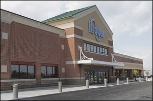 The new Kroger store on Reynolds Road in Maumee that opens on Friday will replace a store on Glendale Avenue in South Toledo.