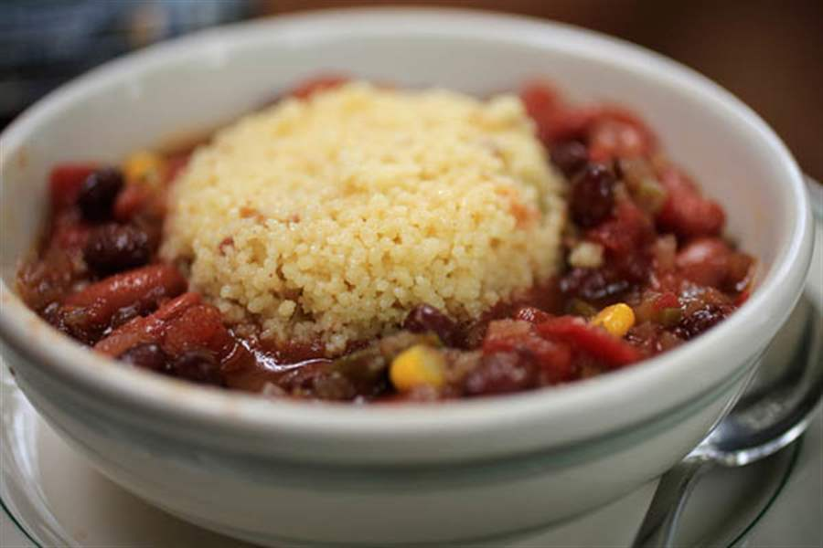 Red-and-black-bean-chili-con-couscous