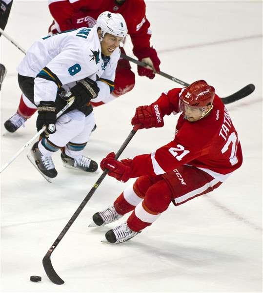 Sharks-Red-Wings-Hockey-3