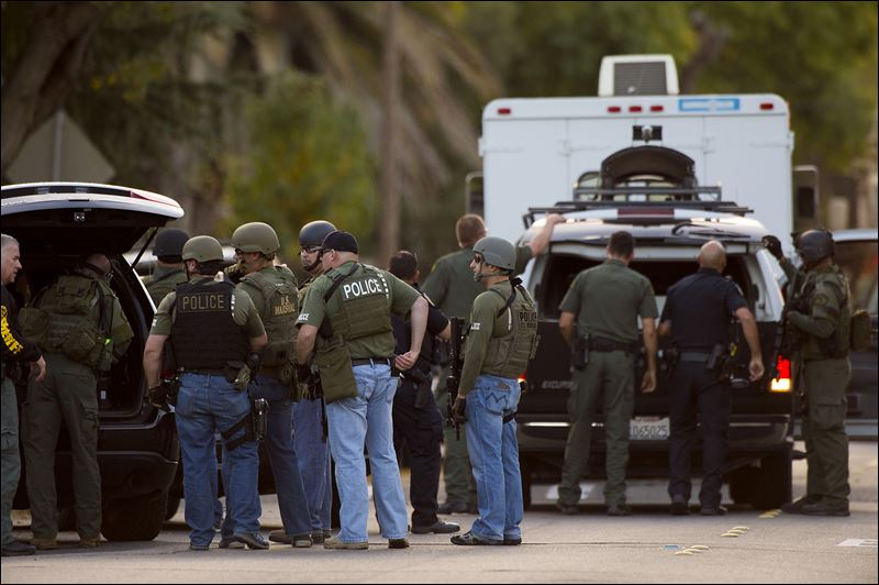 California suspect in wounding of immigration officer, 3 ...