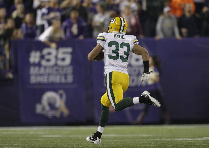 Packers-Vikings-Football-hyde-10-28