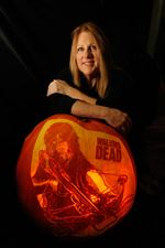 Jackie-Koepfer-and-her-Walking-Dead-pumpkin