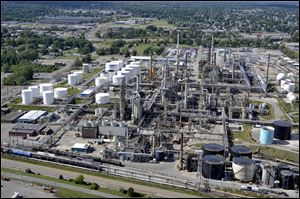 Marathon Petroleum, which owns six refineries, including this one in Canton in northeast Ohio, sells its products through Speedway.