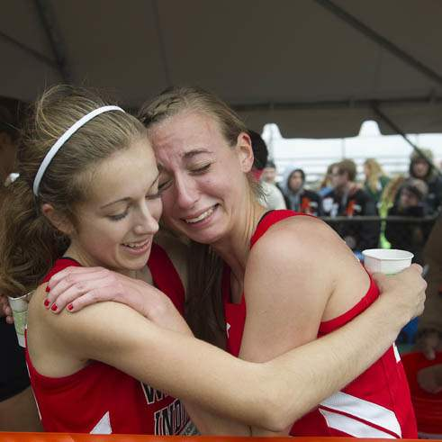 H-S-CROSS-COUNTRY-CHAMPIONSHIPS-Vernot-Beck-hug
