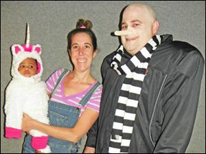 Ella, Kendra & Bryan Royer as the fluffly unicorn, Agnes & Gru from the movie