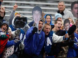 Anthony Wayne fans cheer on the Generals.