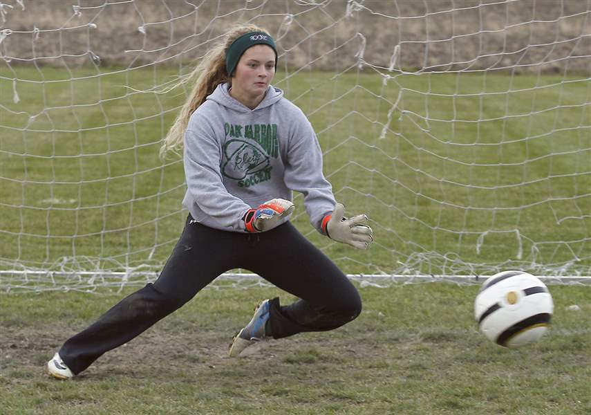Oak-Harbor-junior-goalkeeper-Ivy-Martin-has-1