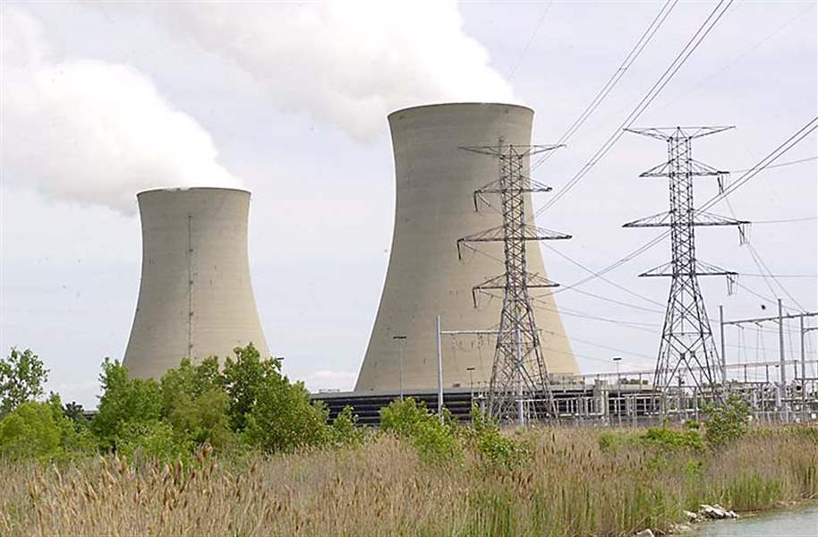 The-huge-towers-and-reactor-of-the
