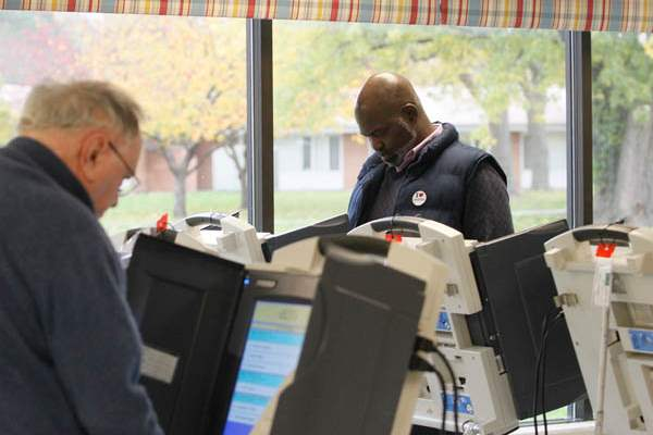 Mayor-Mike-Bell-voting-at-Pelham-Manor-polling-station