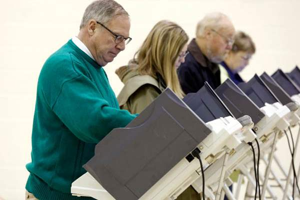 Toledo-mayoral-candidate-D-Michael-Collins-votes