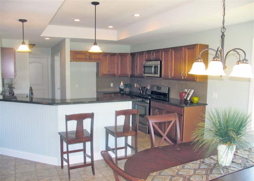 Eagle-Creek-Sylvania-kitchen