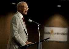 Detroit-Mayor-Dave-Bing-speaks-during-the
