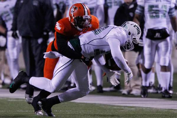 BGSU-s-Cameron-Truss-forces-an-Ohio-University-incomplete-pass