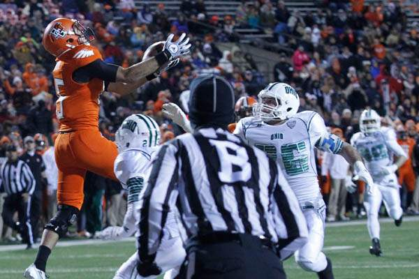 BGSU-s-Heath-Jackson-catches-a-touchdown-pass