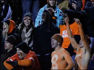 BGSU fans react to a play.