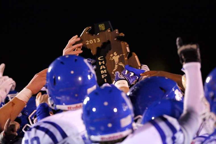 SPT-Bedfordfball16p-dcc-trophy