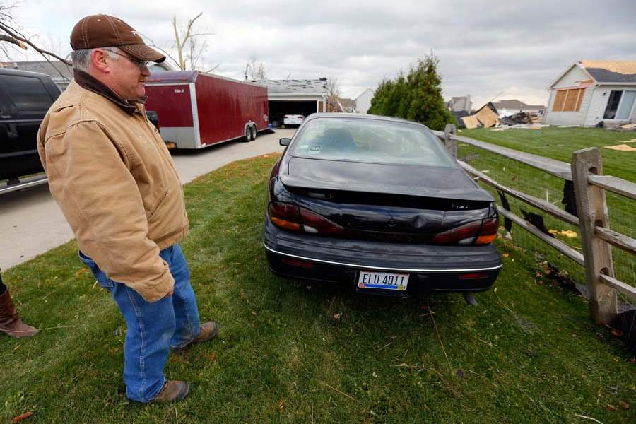 CTY-storm19p-kreais-trapped-in-car