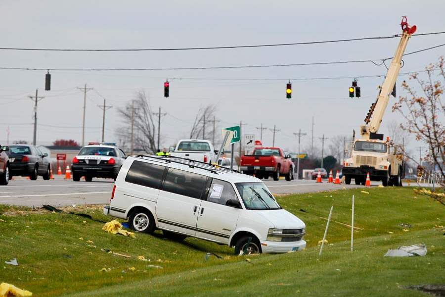 CTY-storm19p-van-in-ditch