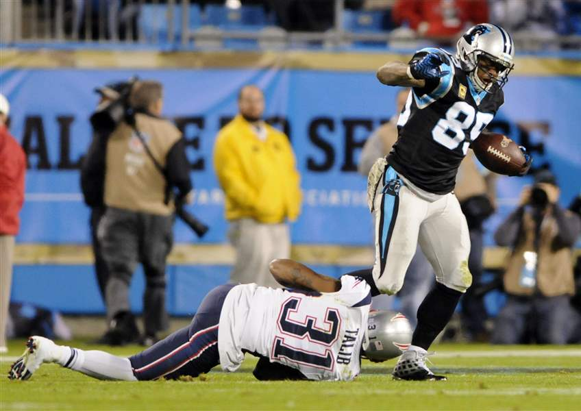 Patriots-Panthers-Football-12