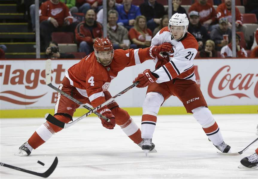 Hurricanes-Red-Wings-Hockey-2