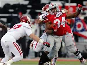 Ohio State RB Carlos Hyde (34) runs the ball against Indiana  during the second qua