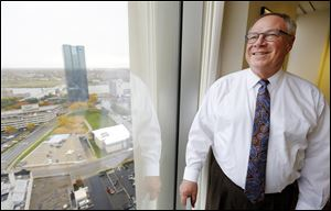 Are the budget  plans proposed for Toledo by Mayor-elect D. Michael Collins misleading?