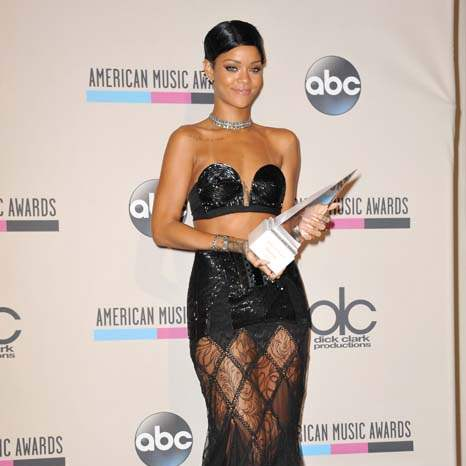 amas-rihanna-icon-award