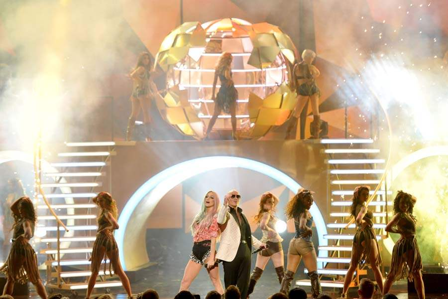 AMAS-KE-SHA-AND-PITBULL