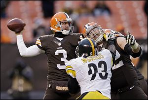 Cleveland Browns quarterback Brandon Weeden (3) throws against the Pittsburgh Steelers in the fourth quarter of an NFL football game Sunday, Nov. 24, 2013, in Cleveland.