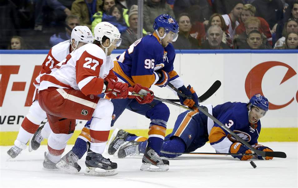 Red-Wings-Islanders-Hockey-9