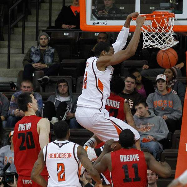 BGSU-s-Richaun-Holmes-dunks-over-Western-Kentucky-s-Aar