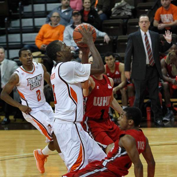 BGSU-s-Spencer-Parker-knocks-down
