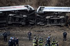 NYC-Train-Derailment-4