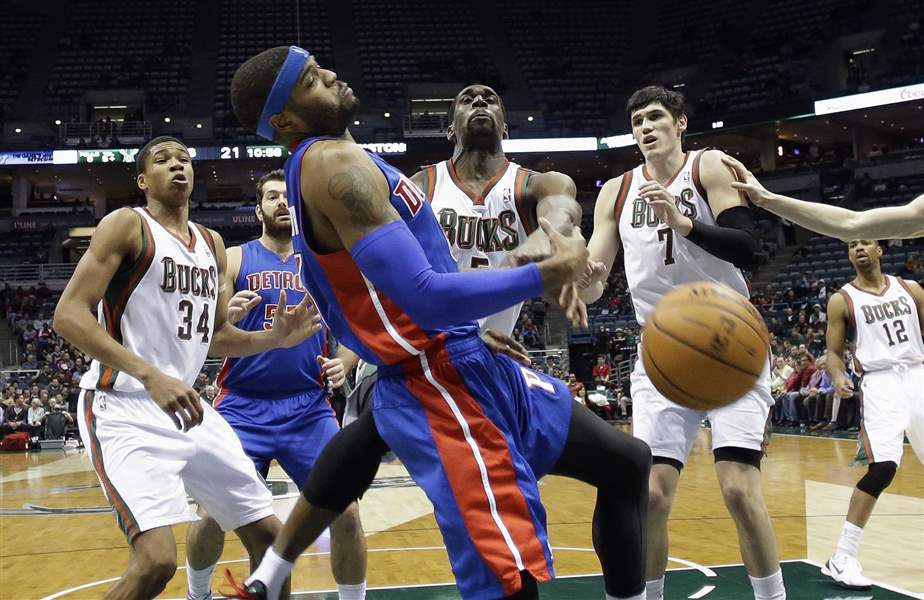 Pistons-Bucks-Basketball-3