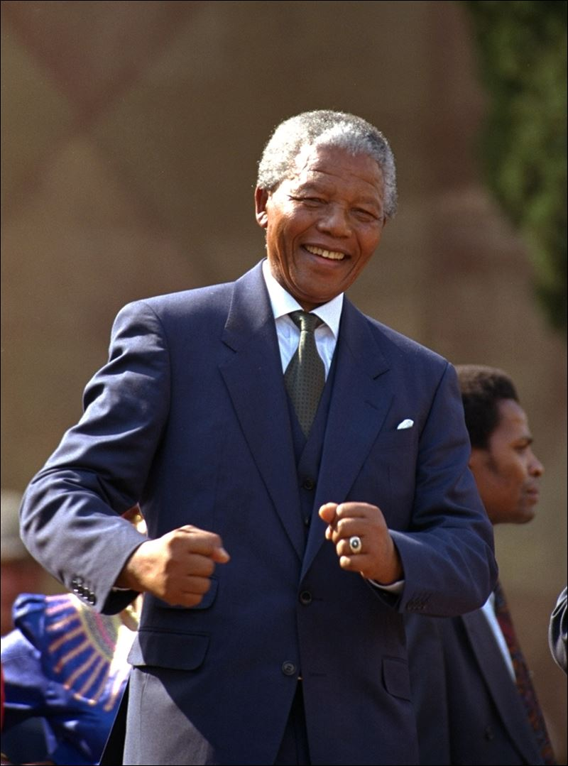 Nelson Mandela, 20th century colossus, dies at 95 - Toledo ...