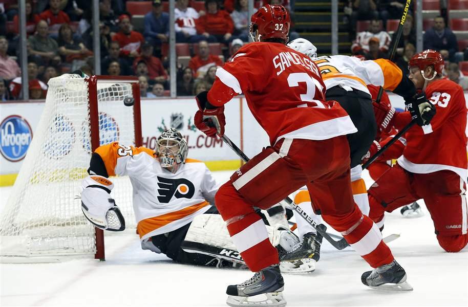 Flyers-Red-Wings-Hockey-10