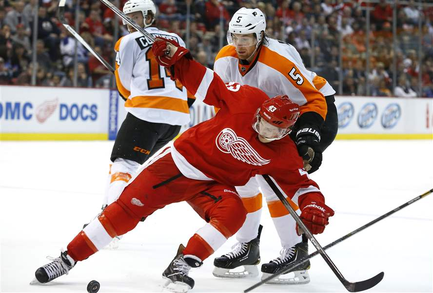 Flyers-Red-Wings-Hockey-11