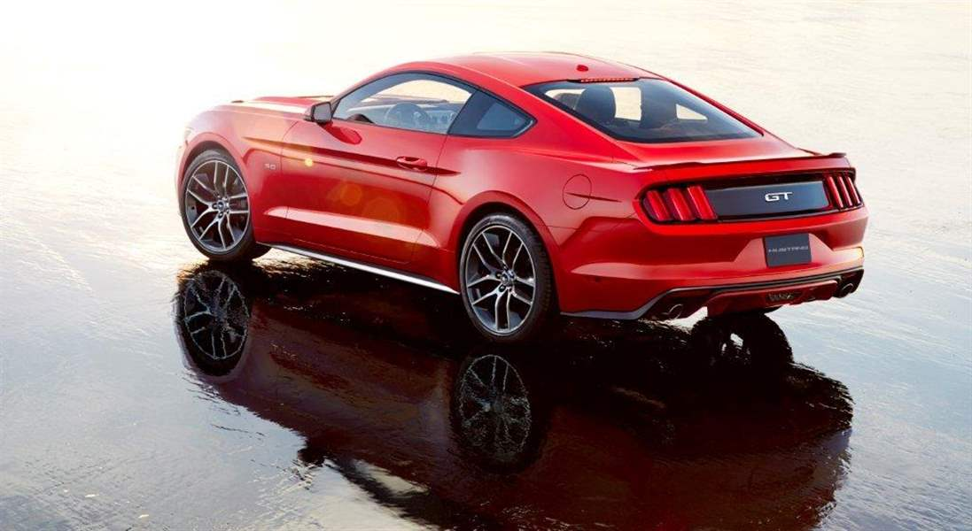 Ford-New-Mustang-rear